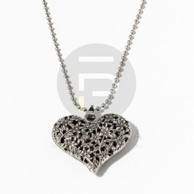 Szív medálos nyaklánc - ezüst bevonatos