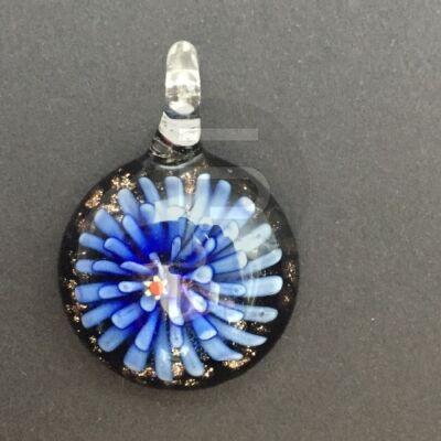 Kerek üvegmedál - kék virágos